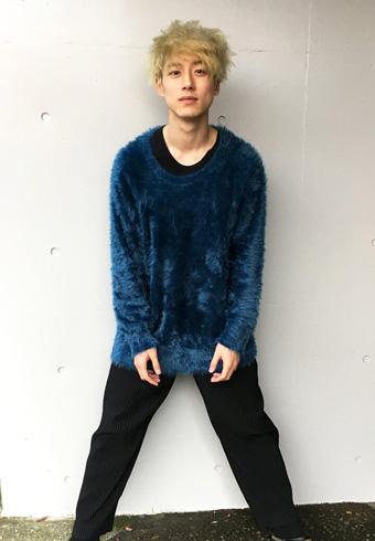 坂口健太郎「ニットはシャリーフでパンツはイッセイ ミヤケです」_ホットトピックス