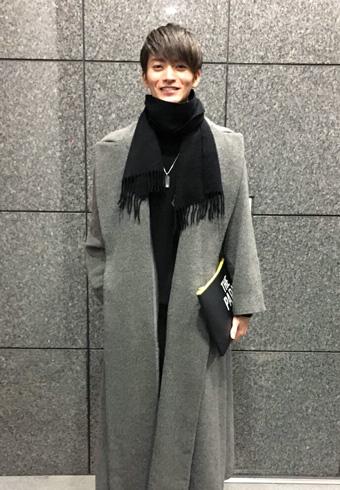 山本涼介「ロングコートはブランド不明。お下がりです」_ホットトピックス