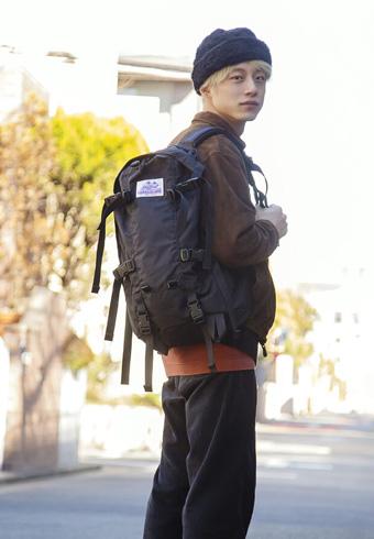 坂口健太郎「僕の古着スタイルにぴったりのバックパック」_ホットトピックス