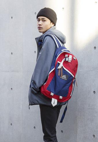 中田圭祐「バッグなどの小物でアクセントをつけるスタイル!」_ホットトピックス
