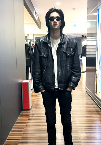 栁 俊太郎「私服に、撮影中の映画の影響が…!?」_ホットトピックス