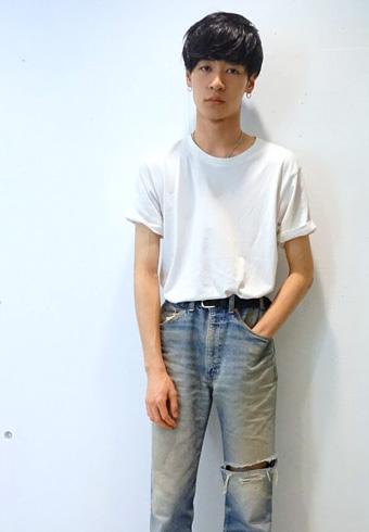 若林拓也「無地Tシャツの日はパンツをアクセントにします」_ホットトピックス