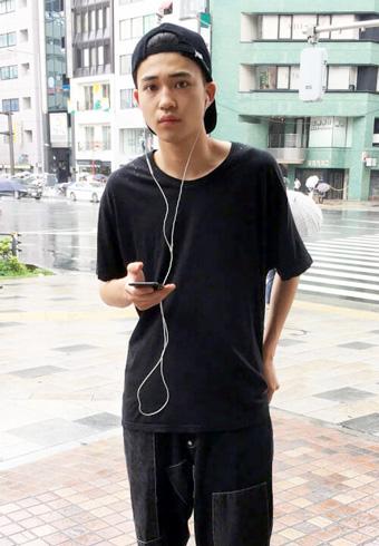 中田圭祐「Tシャツとスニーカーはシュプリームです」_ホットトピックス