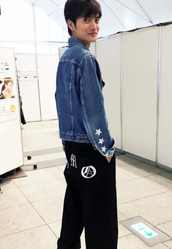 山本涼介「パンツはG-DRAGONのブランドです!」_ホットトピックス