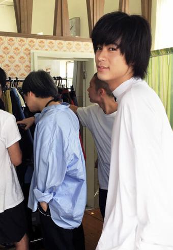 成田 凌のファッション撮影一日に密着!_ホットトピックス