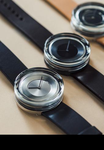 ファッションが変わる、ガラスのオブジェのような腕時計_ホットトピックス
