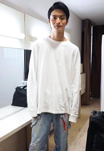 山本涼介「実はオーバーオールを下に着ています!」_ホットトピックス