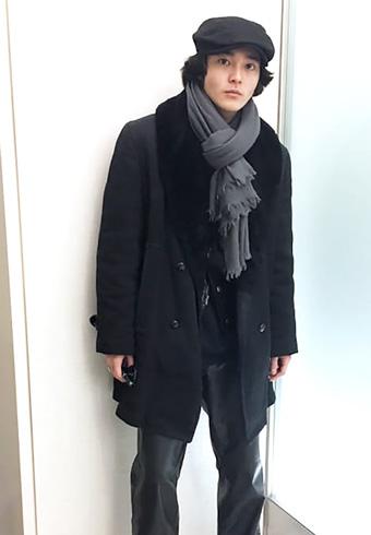 """三宅亮輔「通称""""ギャングコート""""を着てみました!」_ホットトピックス"""