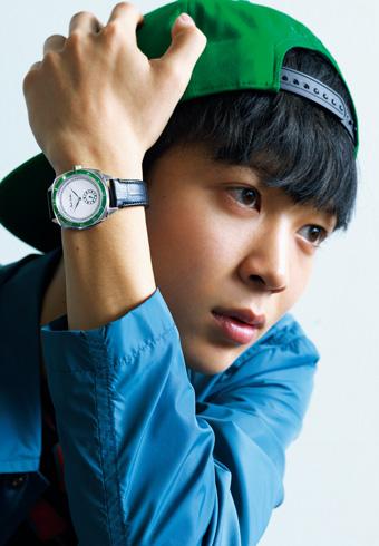 鈴木 仁 × ポール・スミス4つの新作腕時計_ホットトピックス