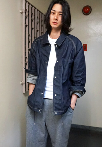 栁 俊太郎「色落ちが楽しみなロトルのデニムジャケット」_ホットトピックス