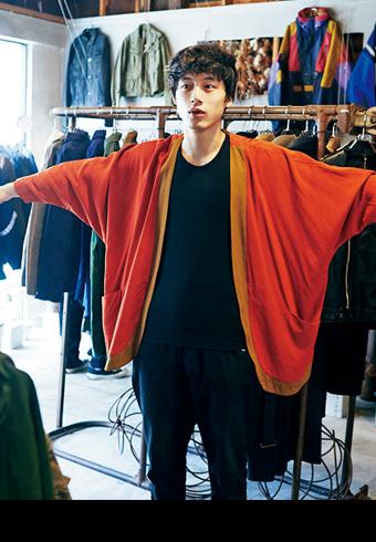 「ちょっと変な服」を買ってしまった坂口健太郎_ホットトピックス