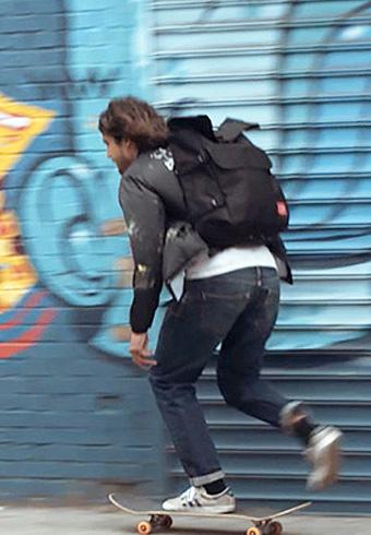 マンハッタン ポーテージのバッグが街を駆ける!_ホットトピックス