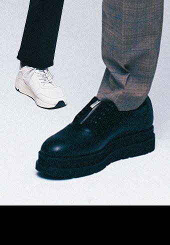 スニーカーを革靴にスイッチすると、コーデはどうなる?_ホットトピックス