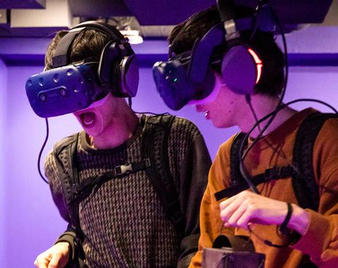 最新VRって半端ない!メンズノンノモデルも絶叫_メガスライダー