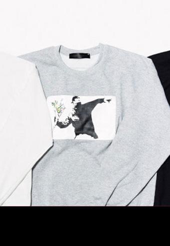 バンクシーのストリートアートがスウェット&Tシャツに_ホットトピックス