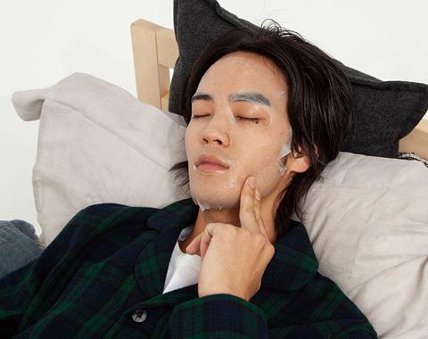 就寝前10分のケアで美肌男子になろう_メガスライダー