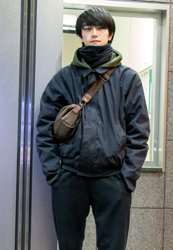 岩上隼也「ユニクロづくしを軍アウターで締めました!」_ホットトピックス