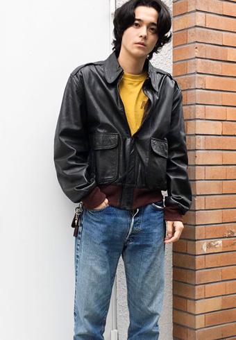 三宅亮輔「太すぎないシルエットのデニムがいい!」_ホットトピックス