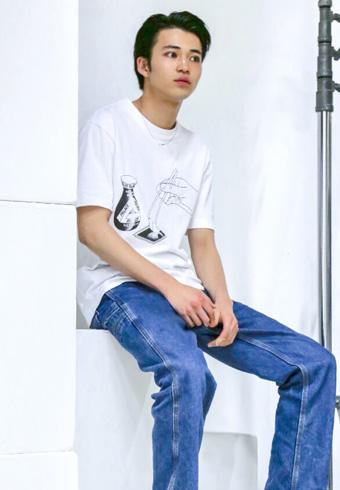 中田圭祐「パレスのTシャツ、プリントが可愛くないですか?」_ホットトピックス