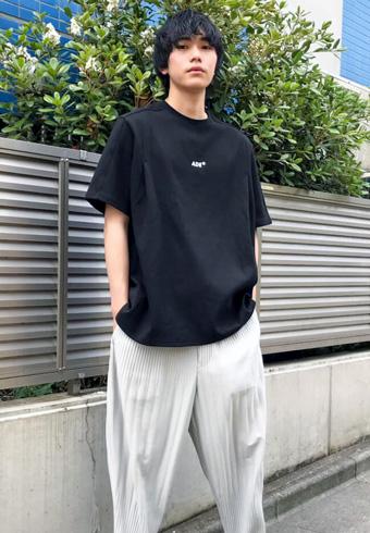 坂田秀晃「韓国の人気ブランドのTシャツを買いました」_ホットトピックス