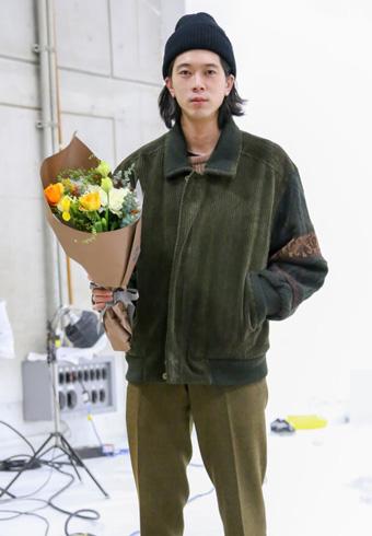 髙橋義明「最後の私服披露です。みなさま、またどこかで!」_ホットトピックス