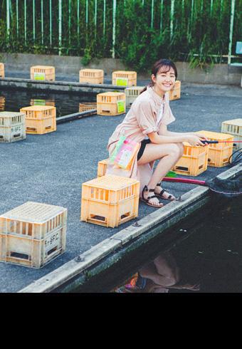 女優・尾碕真花さんとの釣りデート、追加フォトはこちら_ホットトピックス