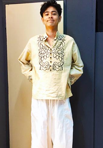 成田 凌「謎めいたデザインのシャツは、古着屋で購入」_ホットトピックス