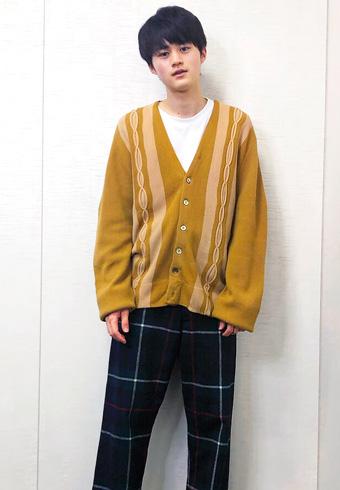 鈴鹿央士「古着屋で一目惚れしたチェック柄パンツなんです」_ホットトピックス