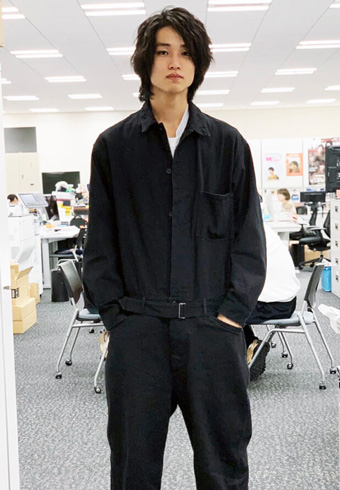 中川大輔「オールインワンに小物で抜け感を演出してます」_ホットトピックス