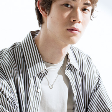 宮沢氷魚のジュエリーはL.A.H.ヴァンドーム青山_SPECIAL