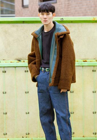髙見翔太「トーガのジャケットは裏地のグリーンもかっこいい!」_ホットトピックス